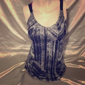 Lululemon Hot To Street Tank workout exercise top